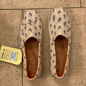 New In Box Anchor Print Toms Slip Ons